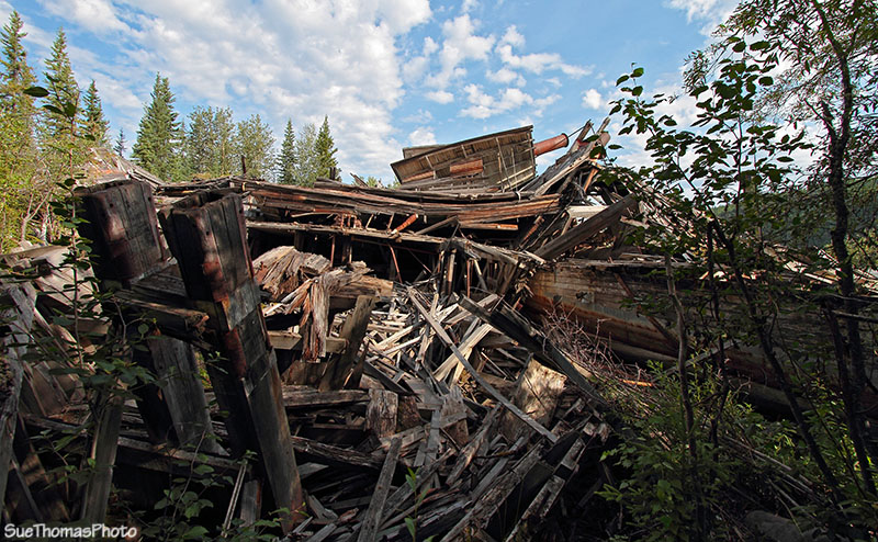 Paddle wheel collapsing, Dawson City